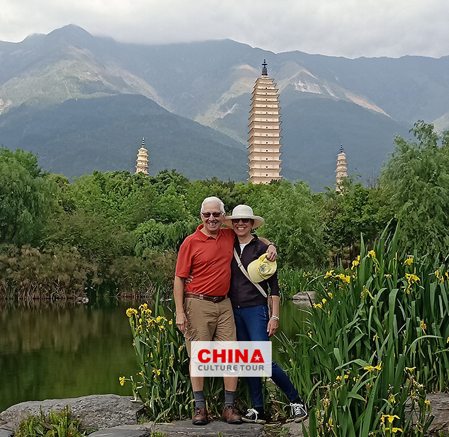 Two Couples from USA Customized a 18 Days Beijing Xian Dali Chengdu Guilin and Shanghai Tour
