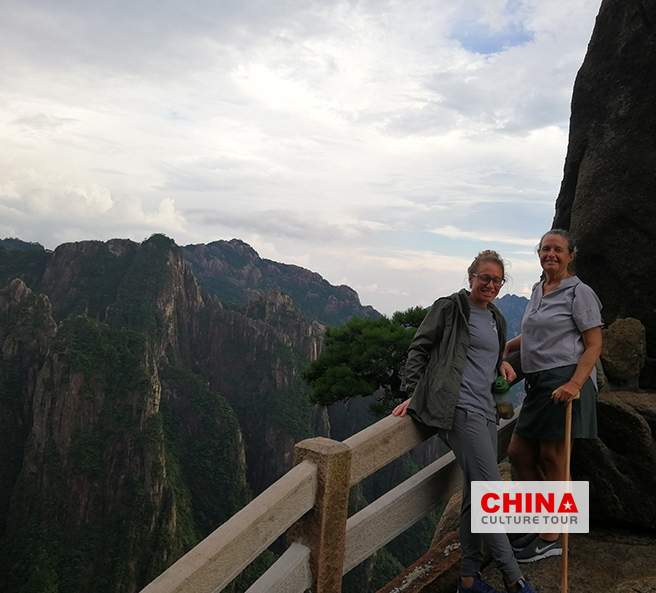 Barb and Lea customized a 3 days Huangshan Tour