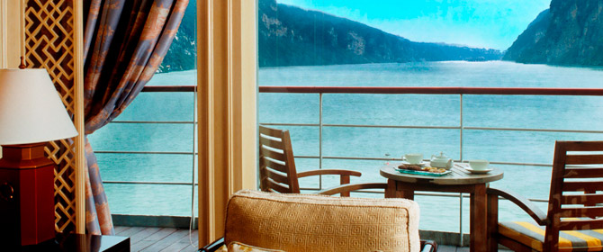 luxury yangtze cruise ships