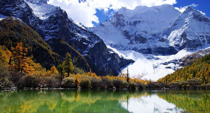 Three Holy Mountains in Daocheng