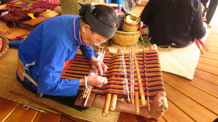 Li Nationality Traditional Dyeing, Weaving & Embroidery Skills