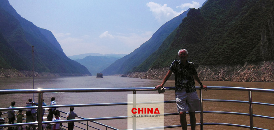 12 Days Seniors China Tour: China Highlights with Majestic Yangtze Cruise